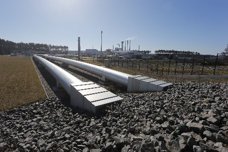 US  warns of sanctions risk for firms invested in Russian pipeline